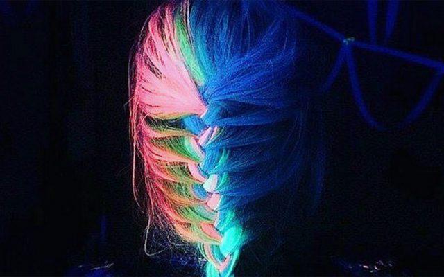 Glow-in-the-dark hair